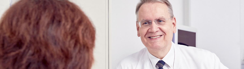 Arztgespräch im Team   Brustzentrum Passau